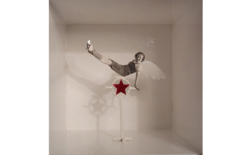 Valentine-Fournier-boite-l-ange-2005-serie-le-cirque-artiste-plasticienne-rocket-lulu-photo-retro-vintage