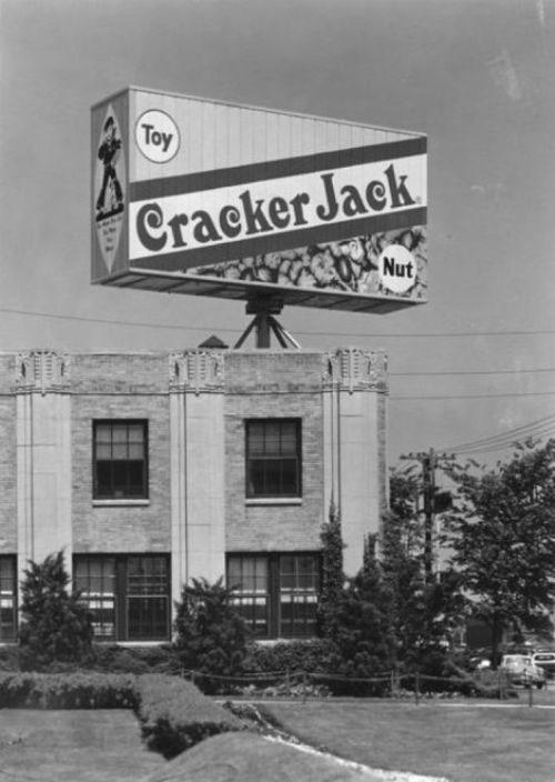 Cracker-Jack-Company-Plant-Chicago-1958-pinterest