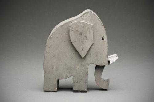 Ancien-jouet-elephant-andre-helle