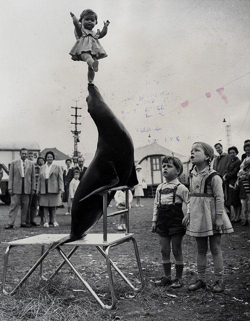 Ancienne-photo-enfant-vintage-kids-circus-rocket-lulu