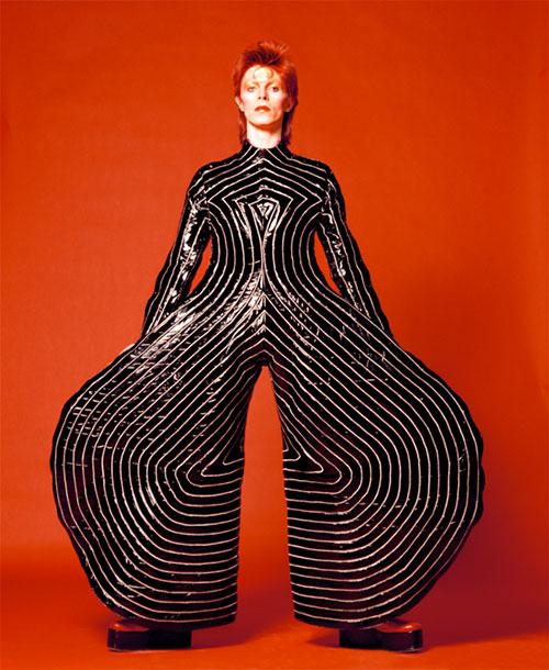 Bowie_striped_bodysuit_design_-Kansai_Yamamoto_photo_Masayoshi_Sukita