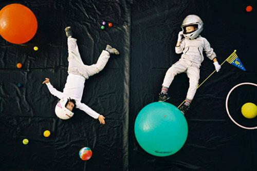 Jan-van-holleben-dreams-of-flying-astronauts-enfant-photo-kids