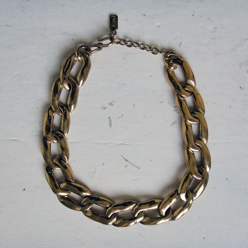 YSL-collier-metal-dore-vintage-link-necklace1