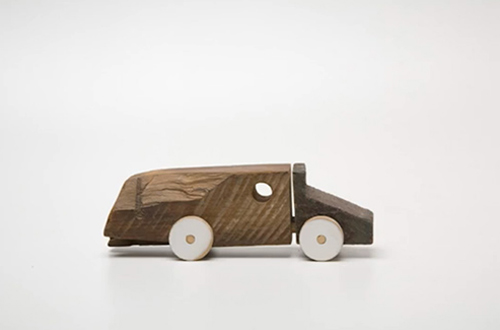 Marcelo-zocchio-truck-toco-wood-toy-upcycling-rocket-lulu3