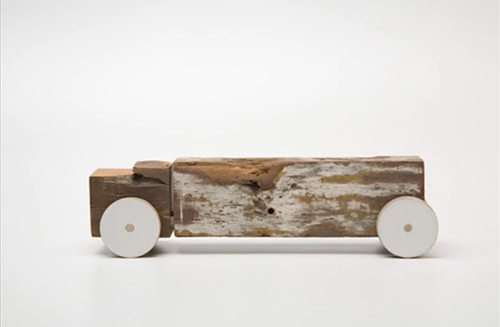 Marcelo-zocchio-truck-toco-wood-toy-upcycling-rocket-lulu2