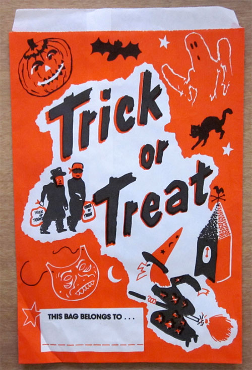 Happy-halloween-enfant-vintage-kids-trick-or-treat-paper-bag-rocket-lulu4