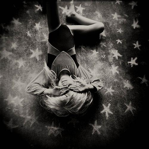Laura-Burlton-chalk-dreams-photography-falling-star-rocket-lulu