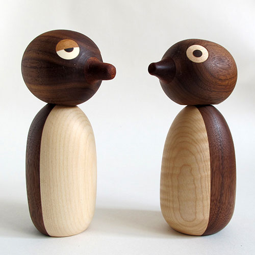 Jouet-design-recycle-noli-noli-penguin-wood-up-cycled-toy-rocket-lulu