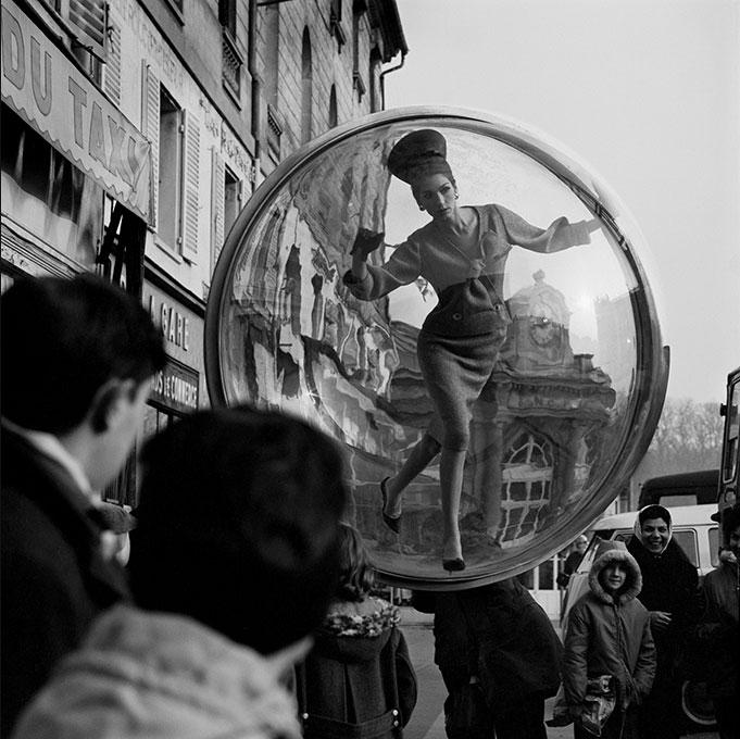 Melvin-Sokolsky-bubble-series-1963-harpers-bazaar-photo-rocket-lulu4