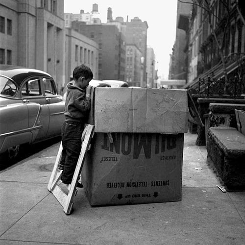 Vivian-maier-child-photo-NY-50s-vintage-enfant-rocket-lulu