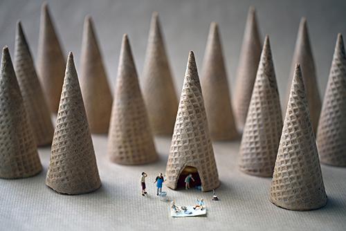 Boffoli-big-appetites-photo-series-cone-camping-food-art-nourriture-rocket-lulu