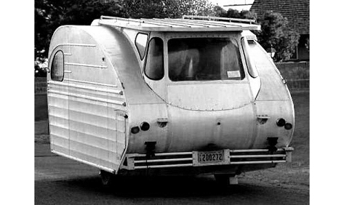 Tiny-vintage-camping-vehicles-rocket-lulu2
