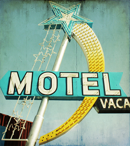 Enseigne-lumineuse-star-motel-vintage-neon-sign-typo-rocket-lulu