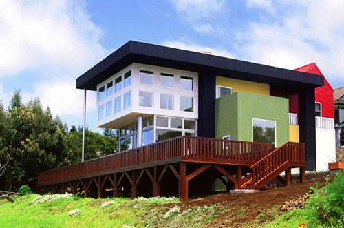 Ettore-sottsass-casa-olabuenaga-maui-hawai-1989-1997-architecture-rocket-lulu