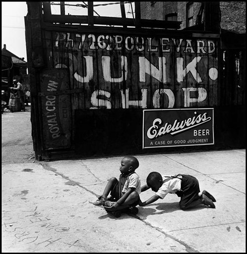Wayne-miller-chicago-makeshift-pushcart-vintage-kids-photo-1947-rocket-lulu