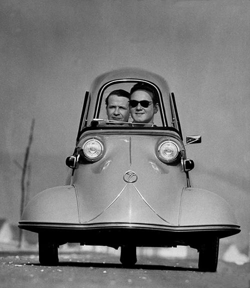 Vintage-car-photo-happy-friday-rocket-lulu