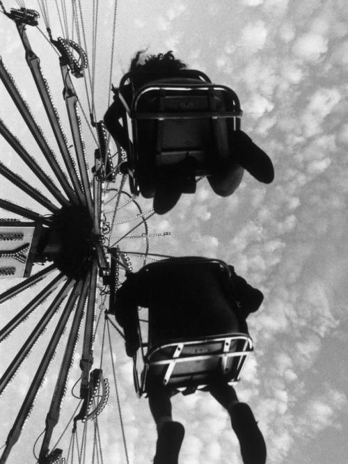 Henry-horenstein-people-ride-vintage-enfant-photo