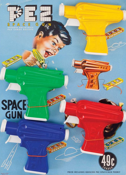 Pez-space-gun-display-jouet-1950s-vintage-rocket-lulu