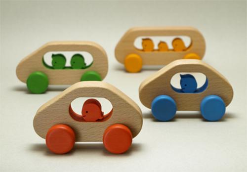 Atelier-fu-Tsuyoshi-Miyazaki-colorful-jouet-bois-design-rocket_lulu